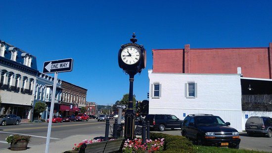 Country Inn & Suites By Carlson, Big Flats (Elmira) : The wonderful, historic town of Horseheads, NY, is nearby, for shopping or sight-seeing.  Submit