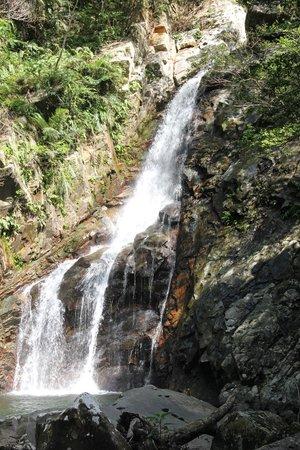 Hiji Waterfall: 大滝です。