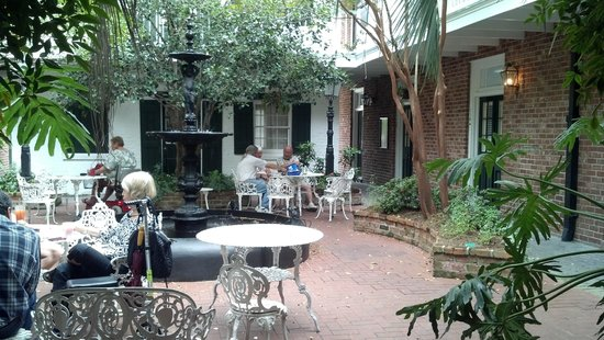 Hotel Provincial: The Courtyard