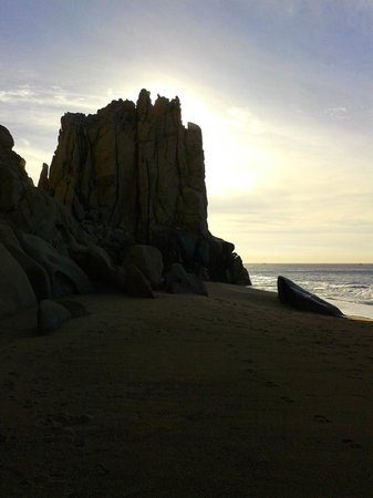Grand Solmar Land's End Resort & Spa: sun rise from the beach