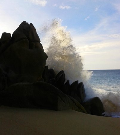 Grand Solmar Land's End Resort & Spa: splash hitting the rocks