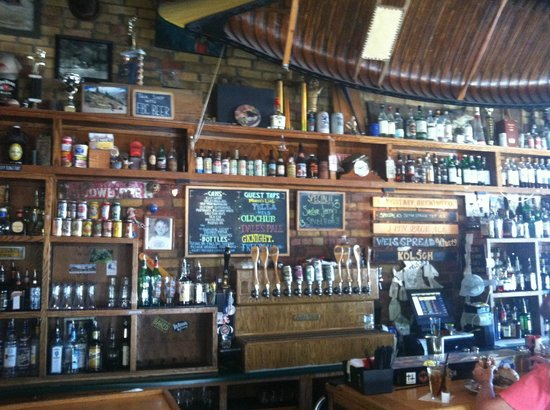 Flagstaff Brewing Company: Flagstaff Brewing Co. Bar