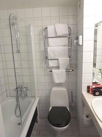 Clarion Hotel Amaranten: バスルーム