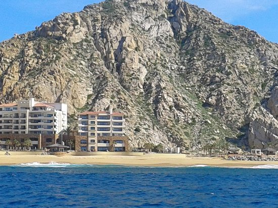 Grand Solmar Land's End Resort & Spa: Gerand Solmar from the ocean...