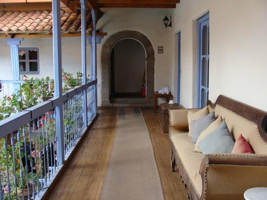 Hotel Arqueologo Exclusive Selection: corredor quarto superior