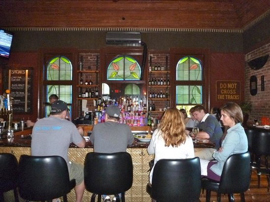 Windsor Station Restaurant & Barroom: The main Barroom at Windsor Station