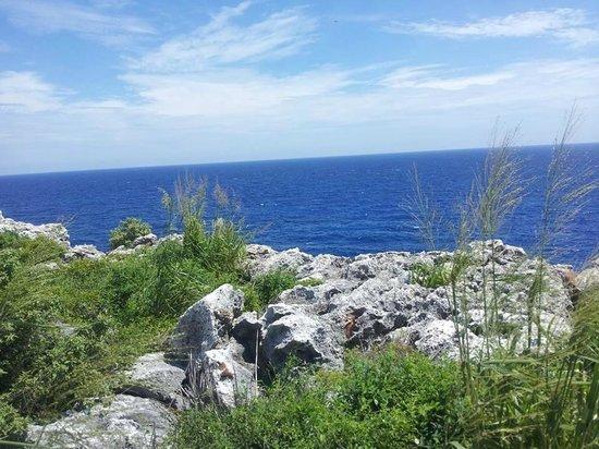 Carib Sands Beach Resort: Ocean View on Cayman Brac