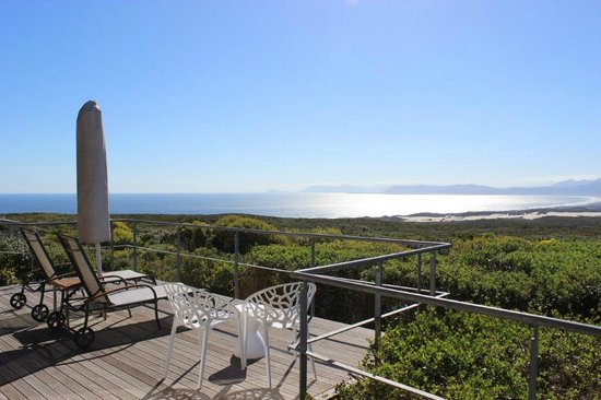 Grootbos Private Nature Reserve: Our deck and the view from our suite