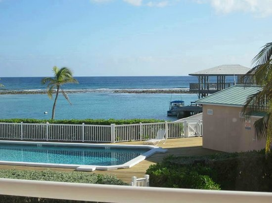 Carib Sands Beach Resort : View of pool and ocean from 1 of the 2 balconies