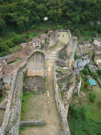 Château de Gavaudun : Vue du Donjon