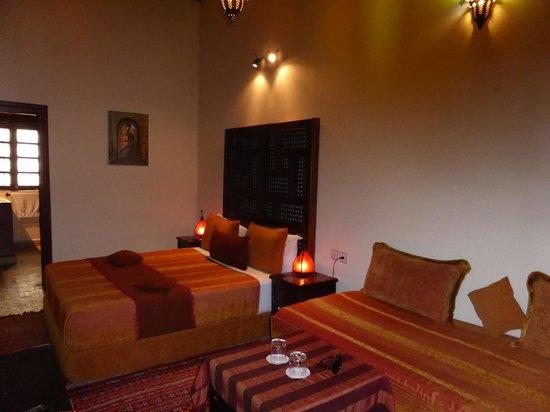 Riad Ahlam: Bed