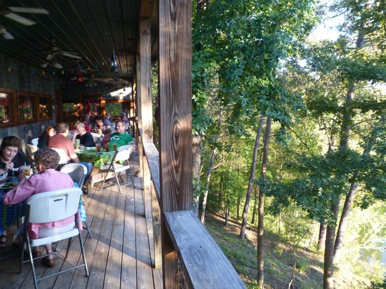 Foglight Foodhouse: porch