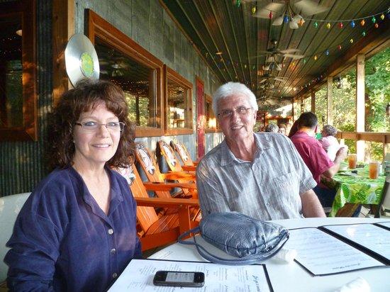 Foglight Foodhouse: jan and wilis