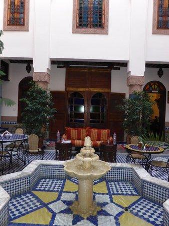 Riad Ahlam: Courtyard