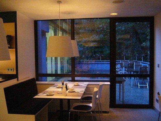 Congress Hotel Mercure Nürnberg an der Messe: Romantic look of the dining room