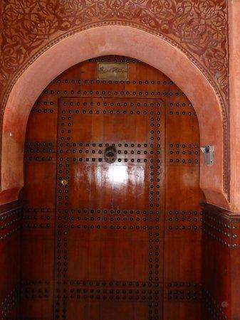 Riad Ahlam: Front door