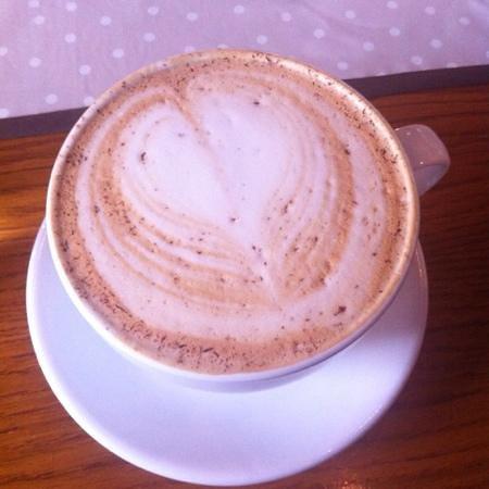 Cafe Lyspunktet: after eight latte, anbefales!