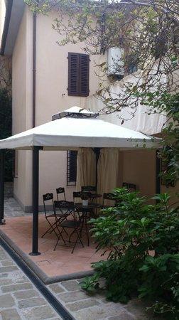 Locanda San Marco - Palazzo Caluri: Locanda S.Marco-giardino interno