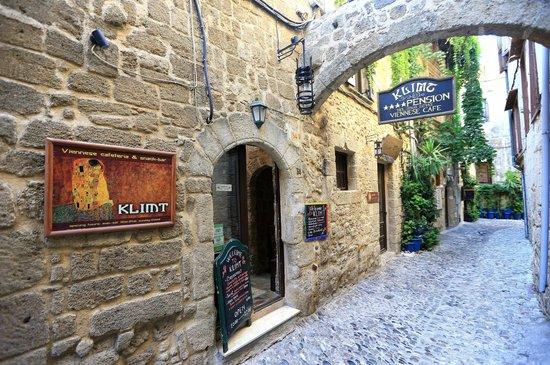 Klimt Guest House: Улица Св. Фанурия