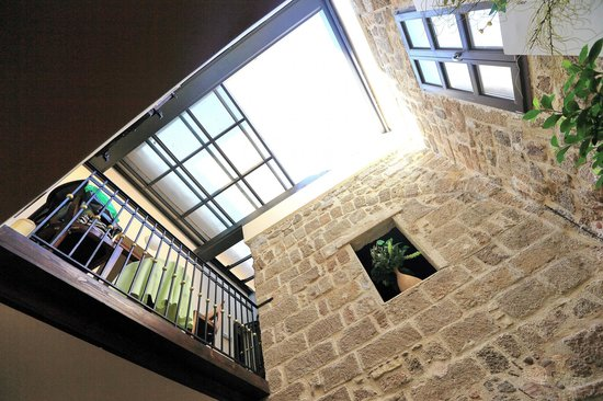 Klimt Guest House: Интересное решение потолка