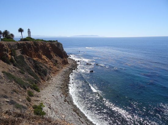 Point Vicente Lighthouse: The lighthouse and Catalina Island, seen from Point Vicente