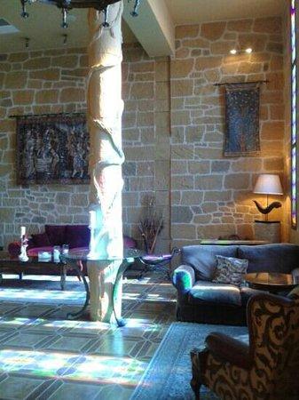 Hotel Castillo Bonavia: Iluminación mágica con la entrada del sol.