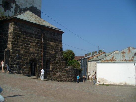 Vyborg Castle: В этом помещении замка - музей реконструкции Средневековья