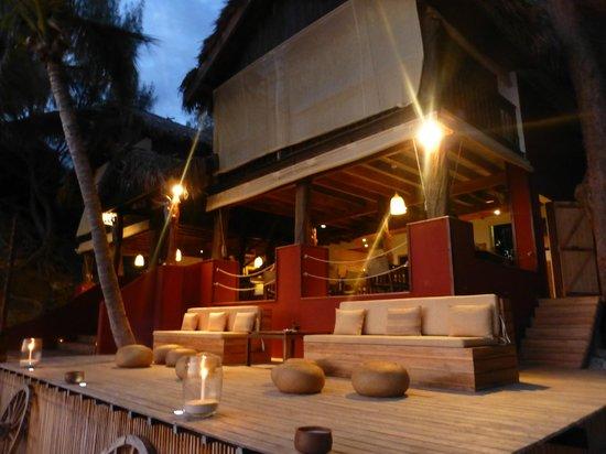 Constance Tsarabanjina: bar/restaurant