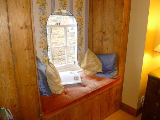 Old Fishergate House: window seat