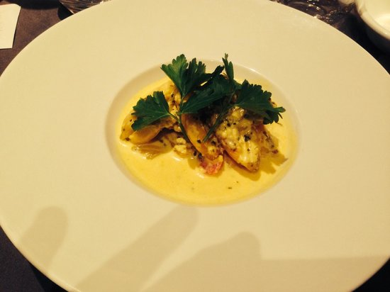 Le St Charles: Frog legs