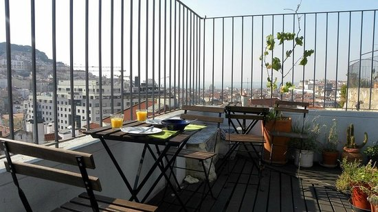 Lisbon Rooftops Guest House : View from the terrace