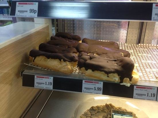 Waterside Holiday Park & Spa : giant eclair for sale in the site shop!