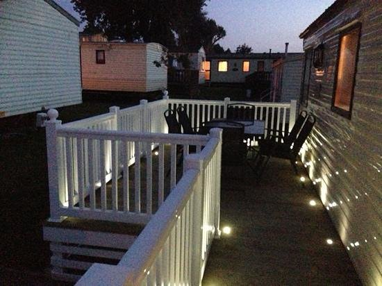 Waterside Holiday Park & Spa : outside our caravan white area
