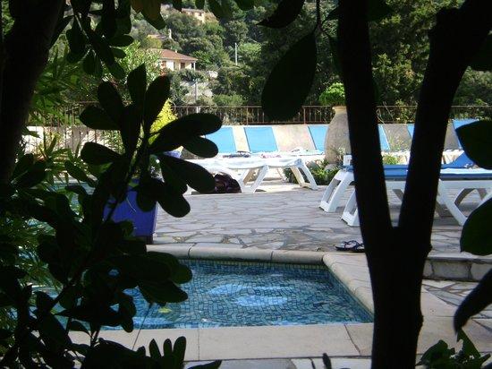 Rossi Hotel : petite , mais très jolie piscine