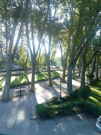 Estalagem Santa Iria: park view in the morning