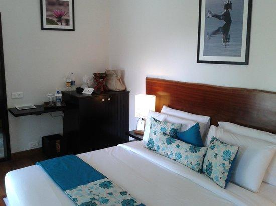 Niraamaya Retreats Cardamom Club - Thekkady: Room