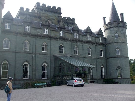 Loch Long Hotel: Cables Castle in Inverary