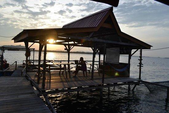 Monkey Dives Lodge, Borneo: dining area