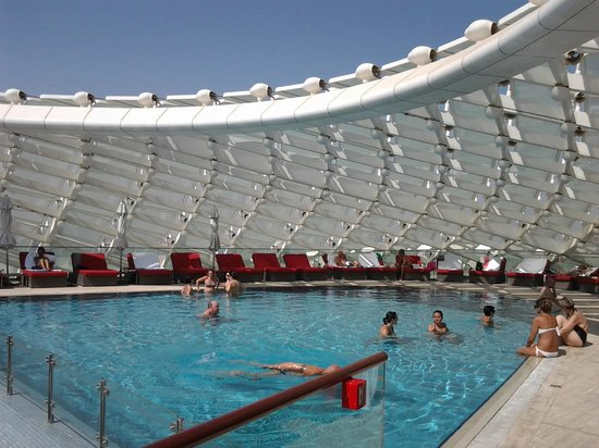 Roof top family swimming pool picture of yas viceroy abu - Hotels in abu dhabi with swimming pool ...