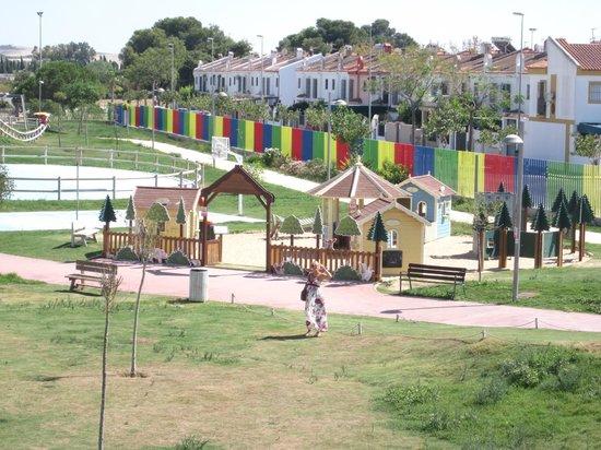 La Ciudad de los Ninos y la Ninas: Houses play area