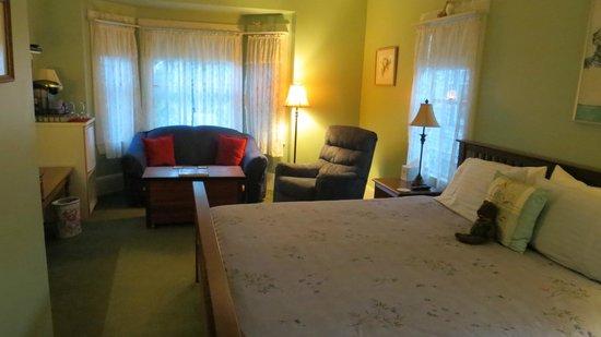Holland Inn: our HUGE room