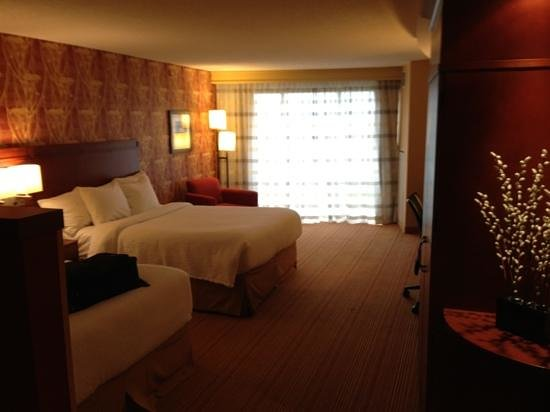 Courtyard by Marriott Calgary Airport: 2 double bed room