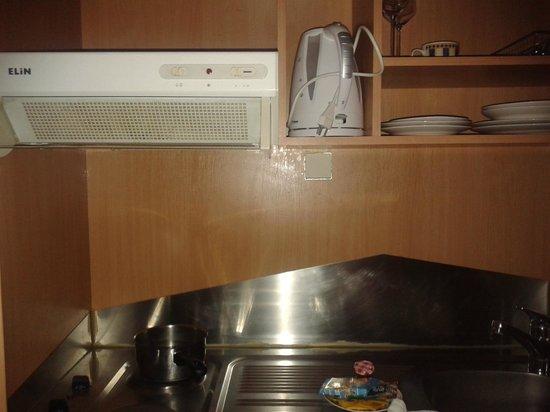 Hotel Adler: Küchenausstattung