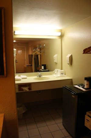 Days Inn & Suites Niagara Falls/Buffalo: Zimmer