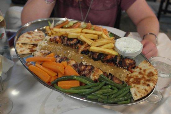 Roulas Restaurant: Greek kebab platter for two :-)