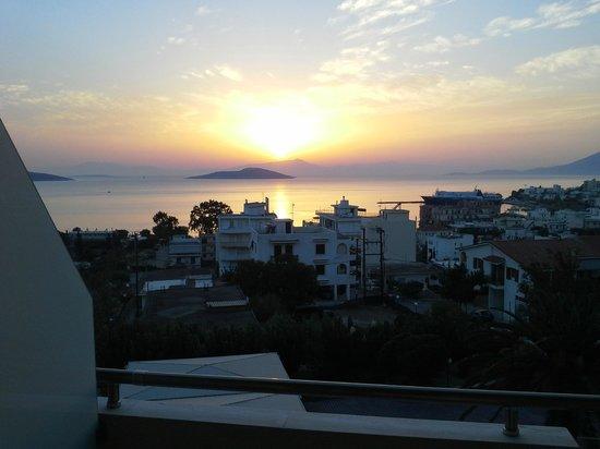 Marmari Bay Hotel: Закат