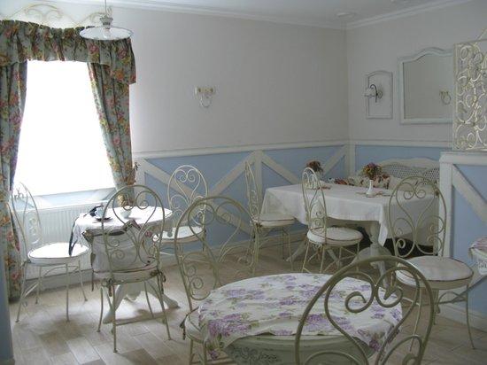Lambert Guest House: Inside cafe
