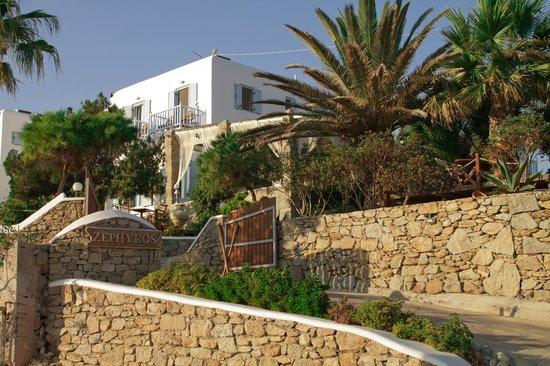 Zephyros Hotel: Zephyros September 2013