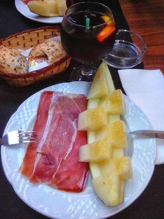 L'entrecot Restaurant Grill: Vorspeise Melone mit Schinken