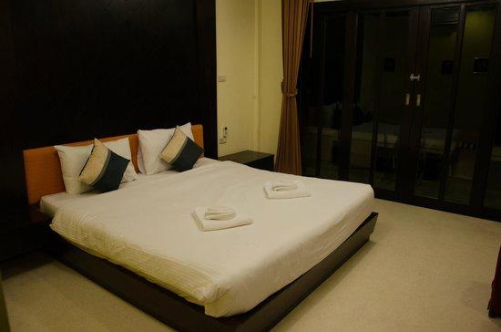 Ao Nang Beach Home: bed